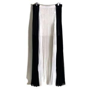 Ark and Co maxi skirt long pleated size large boho